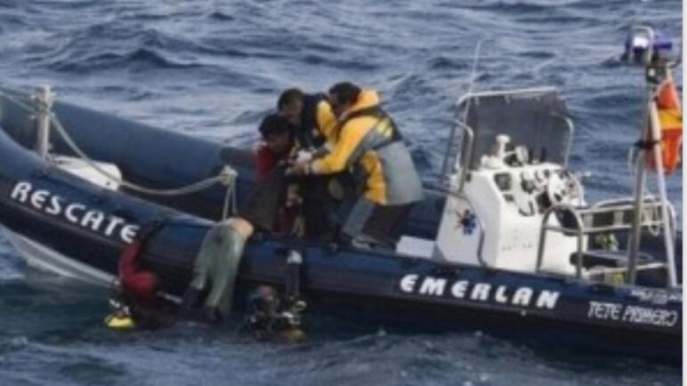 انقاذ مهاجر مغربي باسبانيا من الغرق في البحر