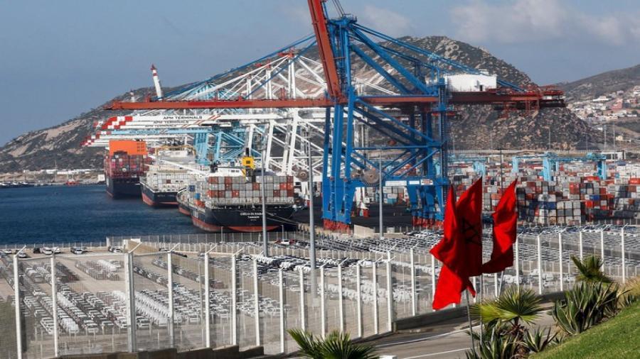 ميناء طنجة المتوسط..إجهاض عملية للتهريب الدولي لبضائع أجنبية خاضعة لمبررات الأصل تتمثل في 30410 وحدة من الاختبارات السريعة للكشف عن فيروس كوفيد-19.