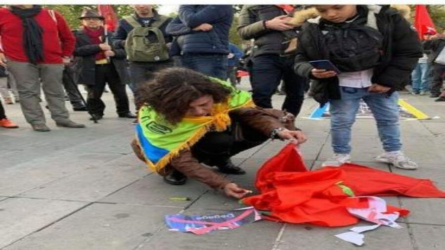 الكشف عن هوية الانفصالية التي أحرقت العلم الوطني المغربي