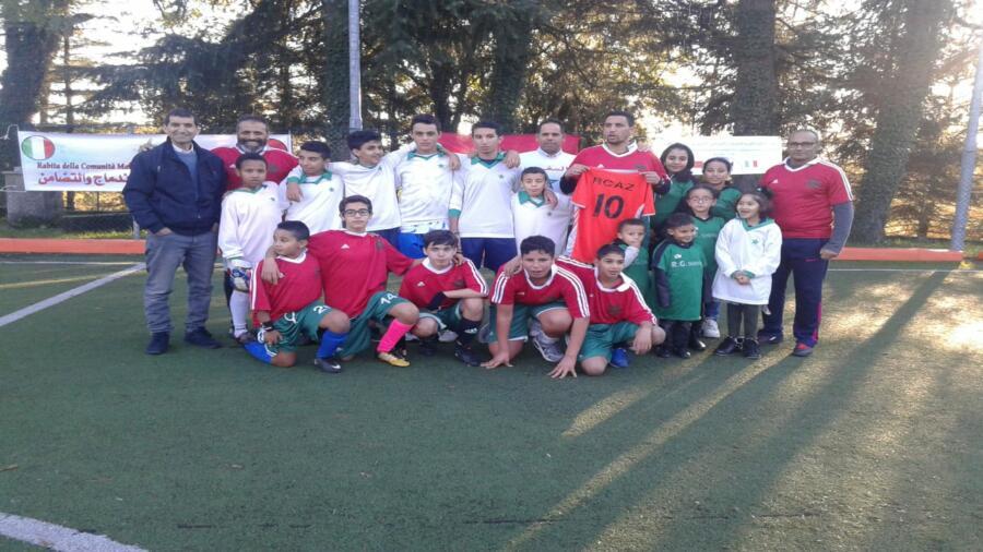 دوري استعراضي مصغر في كرة القدم ببلدة بيزوصو بمناسبة حلول دكرى 44 المسيرة الخضراء