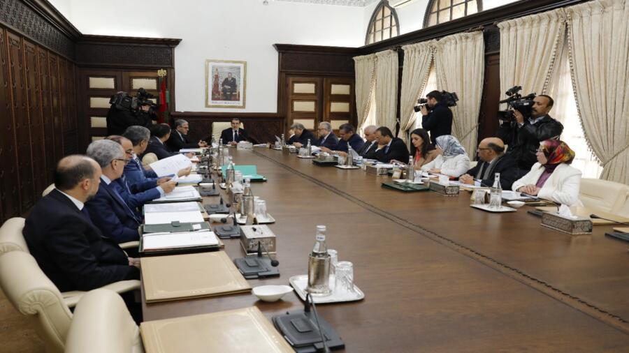 رئيس الحكومة: تنظيم مهنة العاملين الاجتماعيين لضمان خدمات اجتماعية جيدة