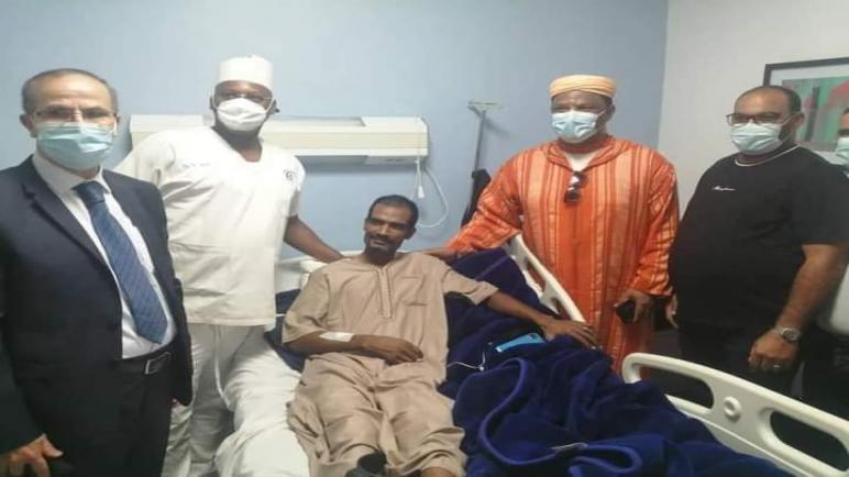 أكادير… السائق المغربي وأكريم بعد تماثله للشفاء من هجوم مالي يعود الى أرض الوطن