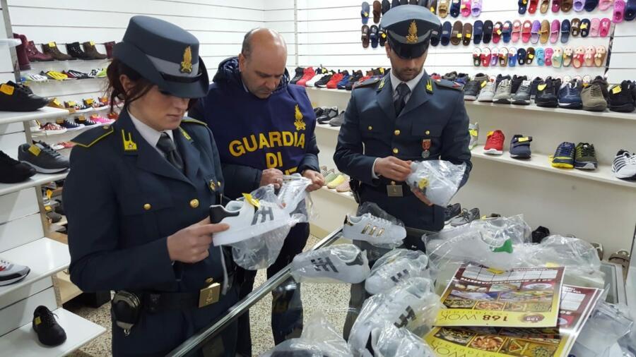 """المصالح الإيطالية تتمكن من تفكيك خلية الأحذية المسمومة"""" بصقلية"""