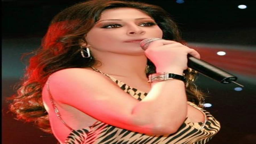 اليسا بملامح مختلفة تشعل مسارح الرياض مع وائل كفوري 