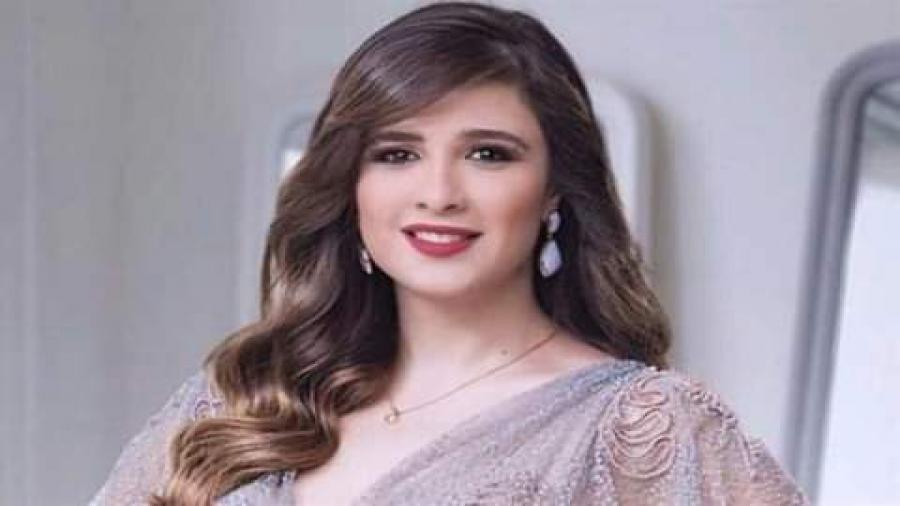 ياسمين عبد العزيز تسخر من بوسي شلبي والأخيرة: مش موجودة على الساحة
