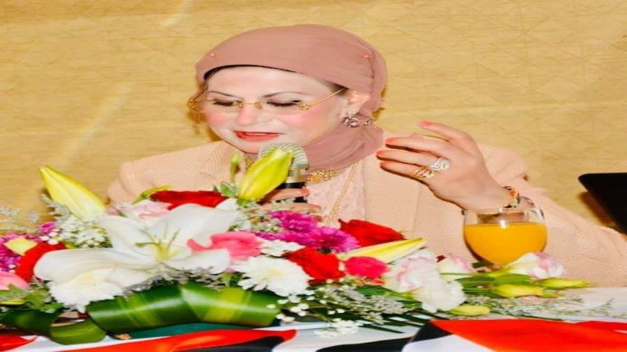 الأديبة الشاعرة دكتورة سهير الغنام تفوز بوسام التميز المهني