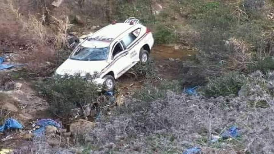 انقلاب سيارة إسعاف متجهة من خنيفرة تسفر عن وفاودة شخصين و إصابة ثلاثة بجروح متفاوتة الخطورة