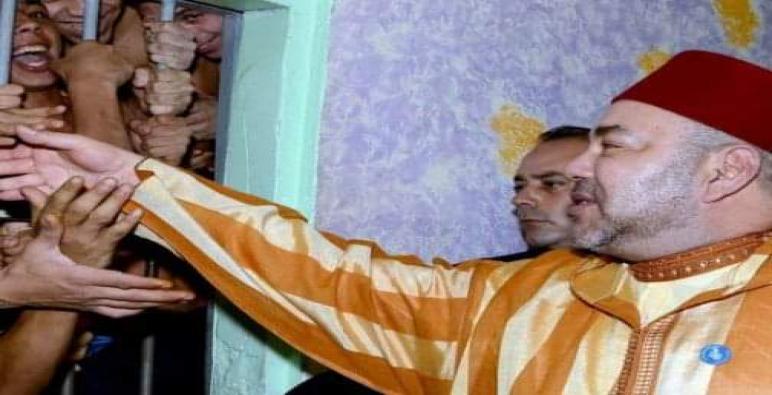بمناسبة عيد الشباب أصدرت وزارة العدل بلاغاً قالت فيه أن المٓلك محمد السادس أصدر عفواً عن 443 شخصا محكوما عليهم من طرف مختلف محاكم المملكة.