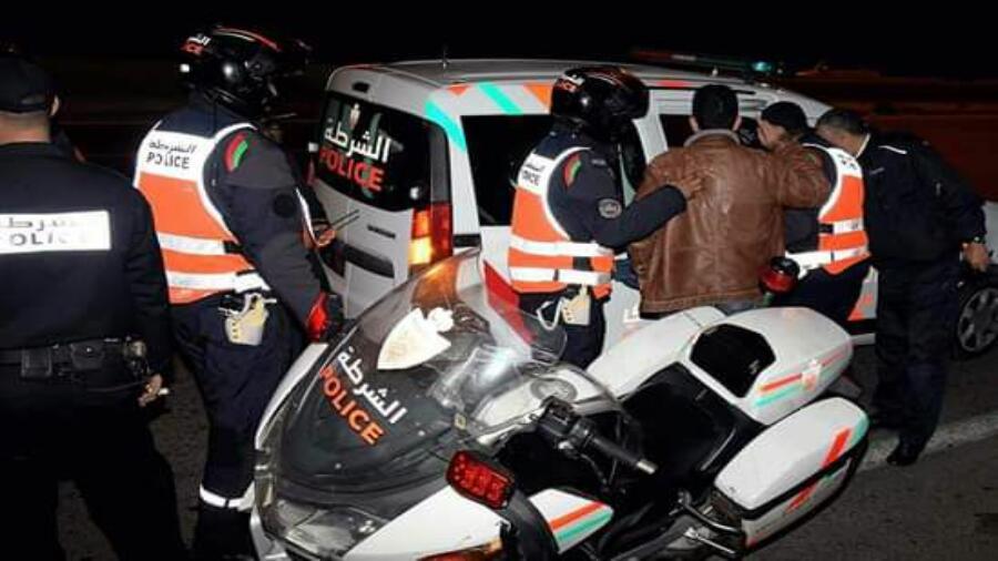 طنجة..ايقاف شخصين للاشتباه في ارتباطهما بشبكة إجرامية تنشط في سرقة السيارات.