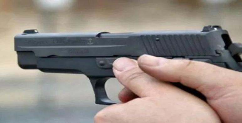 العرائش..ظابط شرطة ممتاز يظطر لاستخدام سلاحه الوظيفي لتخليص عون سلطة كان محتجزا