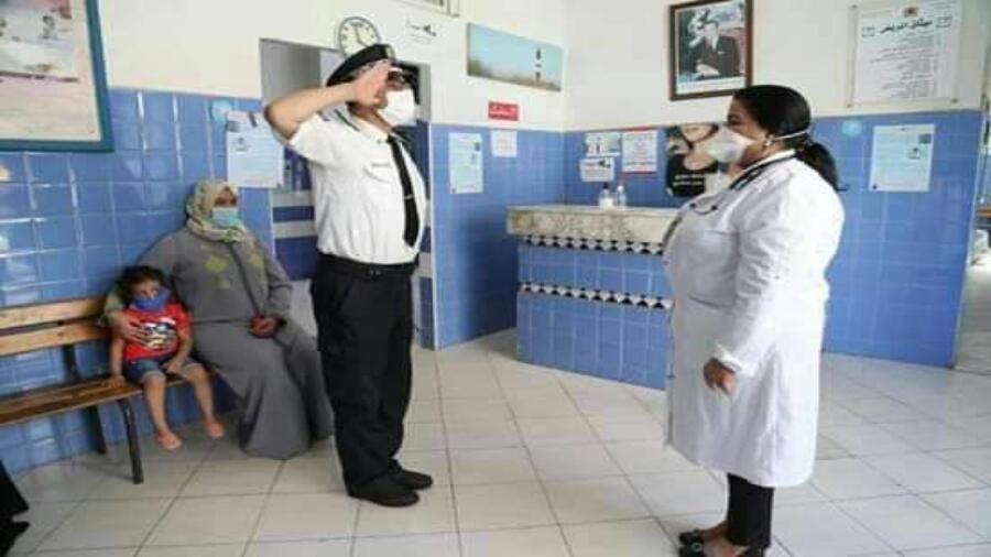 بالصور سلطات سيدي البرنوصي والمجتمع المدني يواصلون المجهودات لوقف كوفيد19 والعودة للحياة الطبيعية.