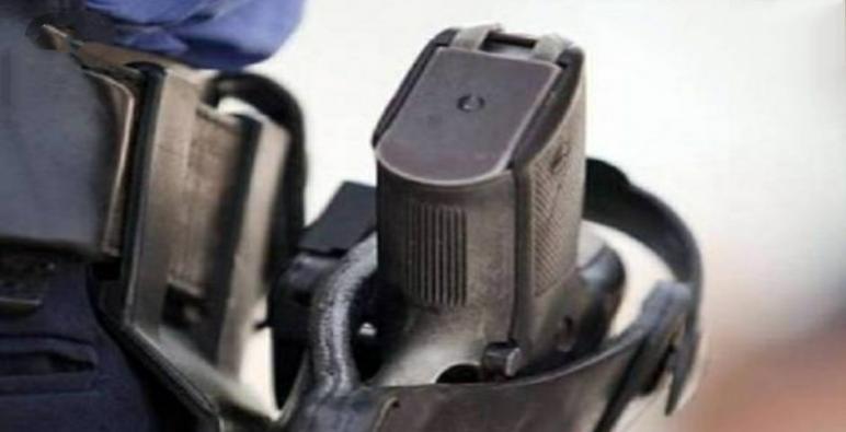 * مقدم شرطة يضطر لإستخدام سلاحه الوظيفي لتوقيف شخص عرض سلامة عناصر الشرطة للخطر *
