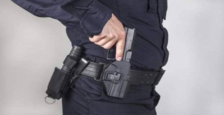 مقدم شرطة بالقنيطرة يضطر لاستعمال سلاحه الوظيفي لتوقيف شخص عرض عناصر الشرطة لاعتداء خطير