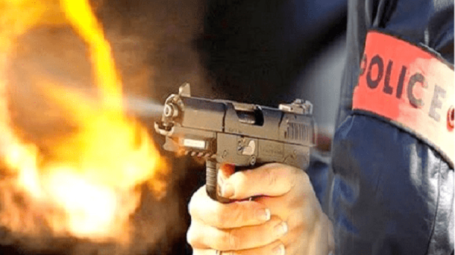 سلا..موظف شرطة يظطر لإشهار سلاحه الوظيفي دون اللجوء لاستعماله، وذلك في تدخل أمني لتوقيف شخص
