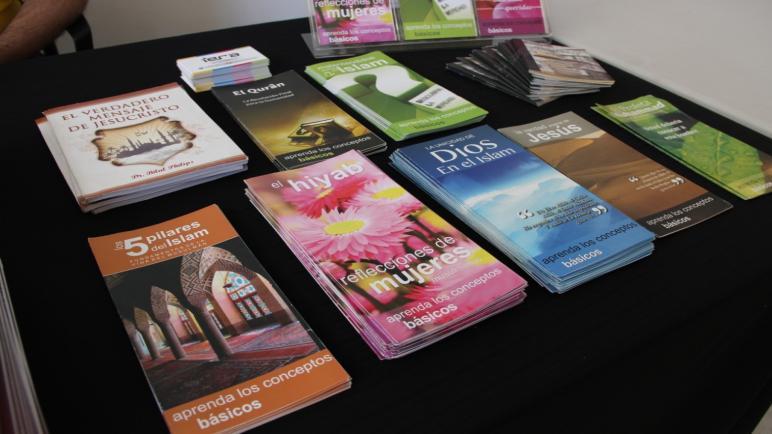 Distribution gratuite de livres et de publications de plaidoyer