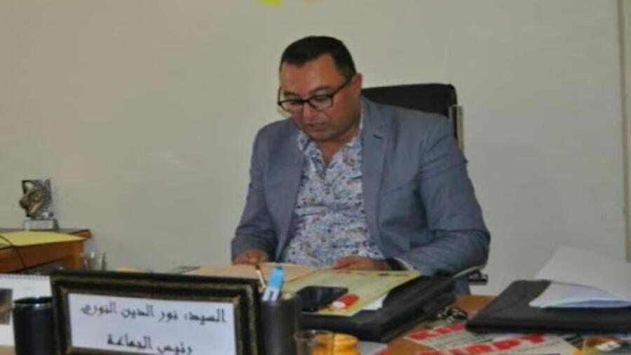 اقليم شيشاوة : رئيس جماعة سيدي المختار يبشر الساكنة في انجاز مشاريع طرقية بالجماعة .