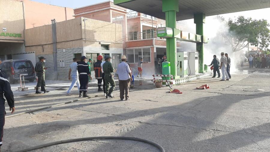 """اقليم شيشاوة : السيطرة على حريق بمحطة تزويد الوقود """" زيز """" بحي الامل على الطريق الوطنية مراكش بجماعة شيشاوة ."""