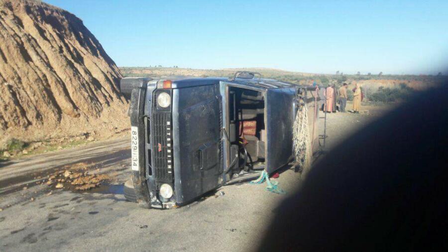 اقليم شيشاوة : مصرع سبعيني وإصابة 5 آخرين في حادثة سير خطيرة بجماعة تمزكدوين .