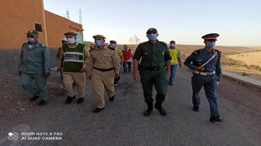 اقليم شيشاوة : قائدة قيادة انفيفة يقود حملة تحسيسية وتوزيع الكمامات بدواوير جماعة انفيفة .