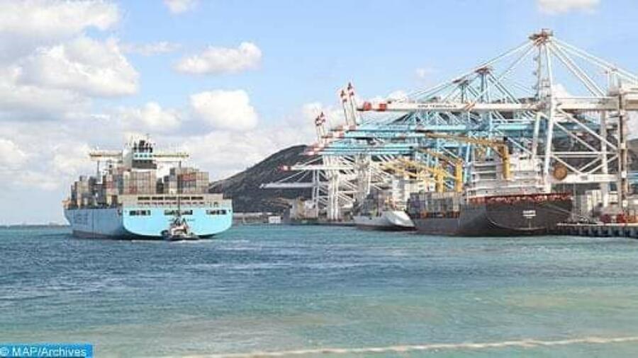 إحباط تهريب كمية مهمة من الهواتف والأجهزة الالكترونية بميناء طنجة المتوسط