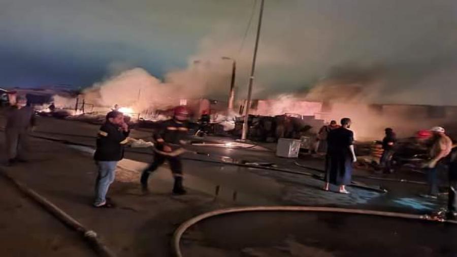 إنزكان…. اندلاع حريق سوق المتلاشيات بمنطقة لافيراي وسوق الدجاج بانزكان