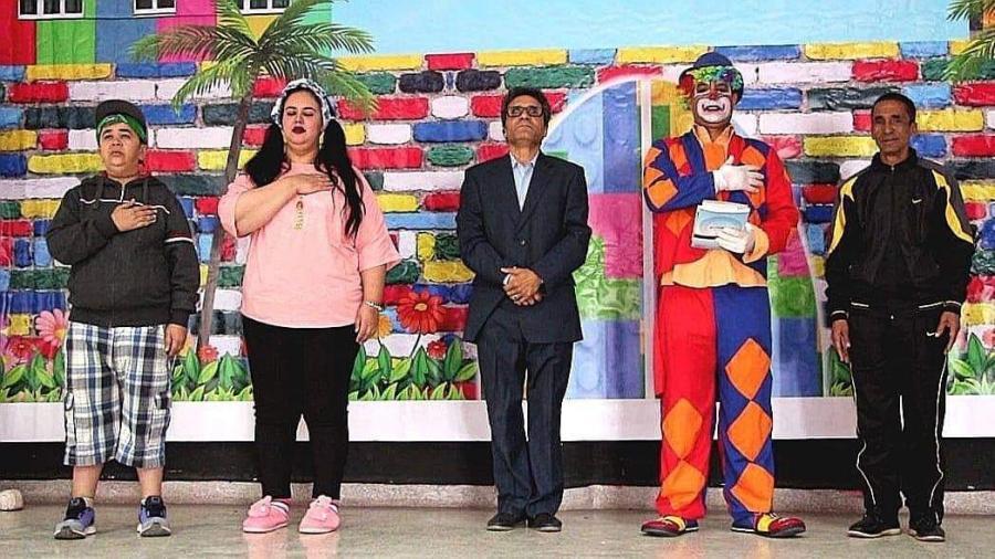 الفنان عزيز الخلوفي يتألق من جديد مع مسرح الأطفال